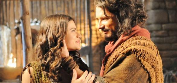 Corá diz que está apaixonado por Joana.