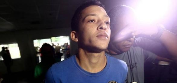 Delegada afirma que provas contra jogador de futebol, suposto namorado da vítima são frágeis.