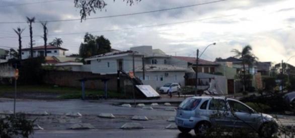 Estragos causados pelos fortes ventos