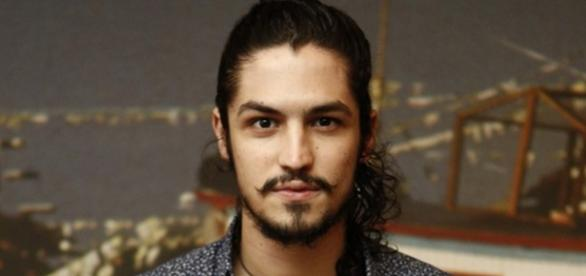 Gabriel Leone é Miguel em Velho Chico