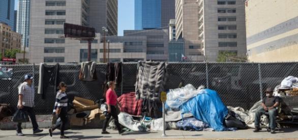 Los Angeles vrea să taxeze milionarii pentru a ajuta persoanele fără adăpost