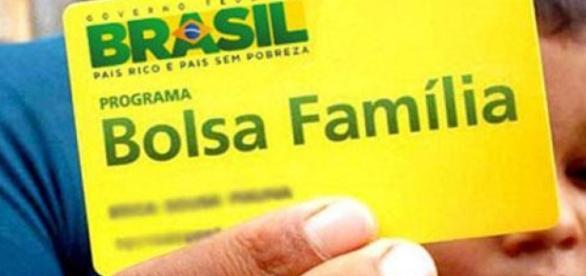 Governo dar reajuste de 12,5% do Bolsa Família.