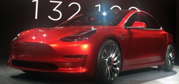Tesla model (Wikipedia Commons)