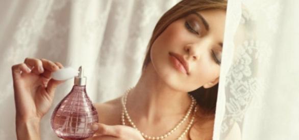 Trucos para que el olor del perfume dure más | Belleza - facilisimo.com