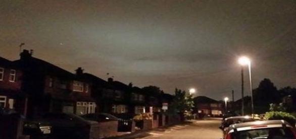 Clarão também foi observado sobre o céu de Manchester (Inglaterra)