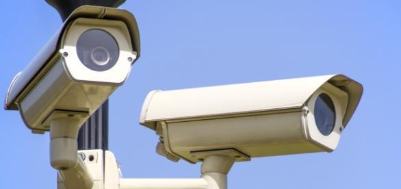 Ustawa antyterrorystyczna zwiększa uprawnienia służb do inwigilacji (fot. pixabay)