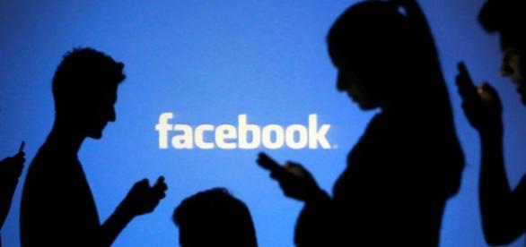 Será que o Facebook sabe o que você fala?