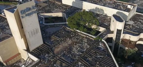 Tornado destroi boa parte da cidade de Campinas