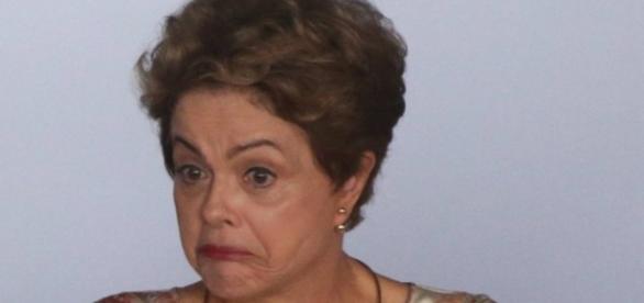 Dilma com cara de assustada - Imagem/Google