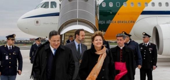 Dilma usou jatos para fazer comícios, diz Ministro