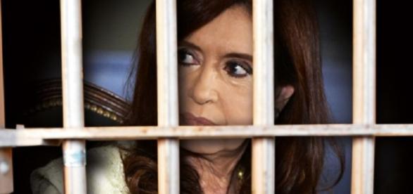 Dramatización visual de Cristina tras las rejas