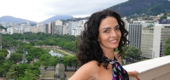 Cláudia Ohana é Loretta em Sol Nascente