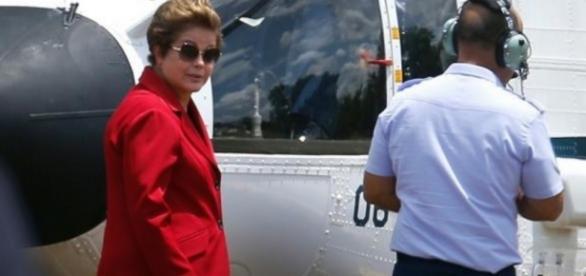 Dilma Rousseff em viagem pela FAB