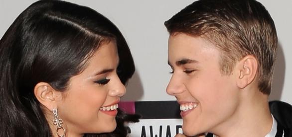 Justin está tentando chamar atenção de Selena?
