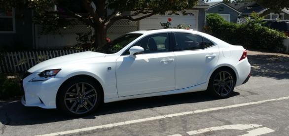 Sexy Lexus 2016 4-DR Sedan IS350