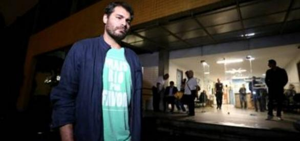 Tiago Lacerda sai do Instituto Médico Legal - Imagem/O Globo