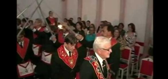 Arcebispo da Igreja Católica une-se à Marçonaria