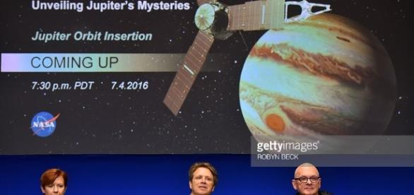 Holds Briefing On Juno Mission Arrival At Jupiter | Getty Images - gettyimages.fr