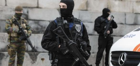 Imagem de arquivo (policiais na Bélgica)