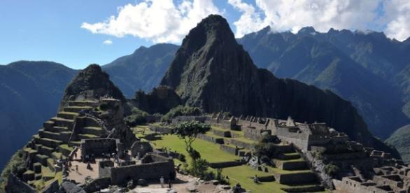 Muere al querer tomarse una foto en Machu Picchu