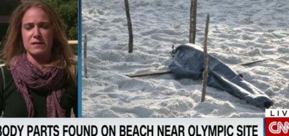 """""""Pedaços de corpos encontrados em praia próximo à local das olimpíadas"""", diz a manchete na TV"""
