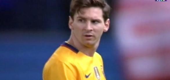 Lionel Messi descansa junto al mar