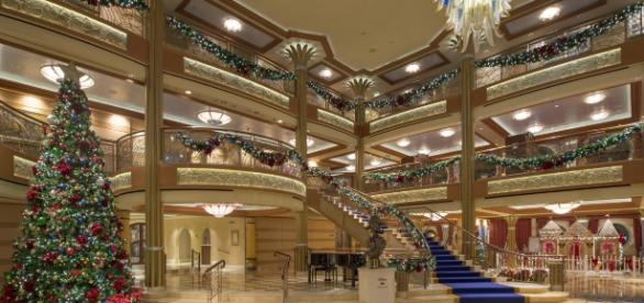 Magical winter holidays aboard the Disney Dream/Kent Phillips via DCL News