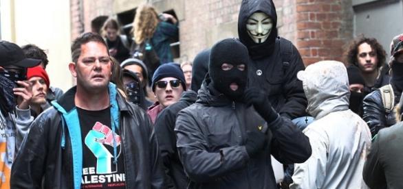 Przedstawiciele skrajnie lewicowych ugrupowań