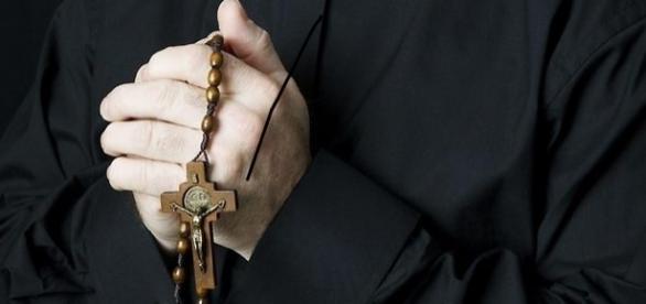 Mais um crime de pedofilia na Igreja Católica