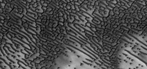 Mesaje in codul Morse descoperite pe Marte