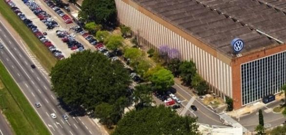 Volkswagen quer demitir mais de 3 mil funcionários até o mês de agosto (Foto: Reprodução/Google)