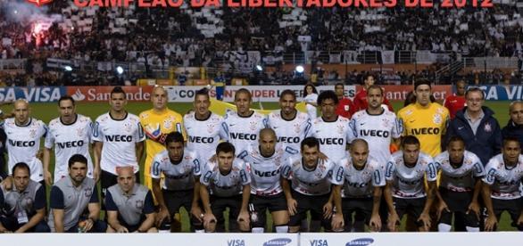 Foto oficial campeão da Libertadores 2102 (Imagem: mbbforum.com)