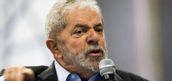 Ex-presidente da República, Luiz Inácio Lula da Silva, está envolvido nas investigações da Operação Lava-Jato