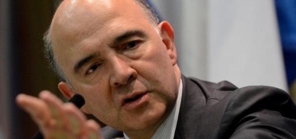 Pierre Moscovici pediu que as negociações do Brexit se iniciem logo.
