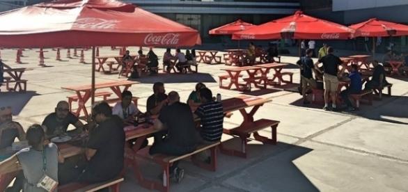 Praça de alimentação próximo ao Parque Olímpico do RJ