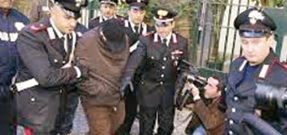 Procurorii italieni au pus mâna pe o bandă de infractori