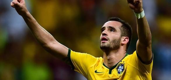 Renato Augusto é a novidade na lista final divulgada pela CBF