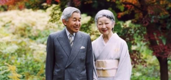 Suas Majestades Imperiais, o Imperador Akihito e a Imperatriz Michiko