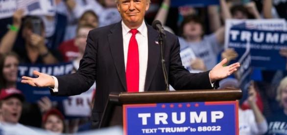 Trump, Clinton Neck-and-Neck in Latest Poll   US News - usnews.com