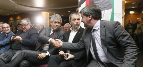 Vieira ganhou mais uma batalha a Bruno de Carvalho