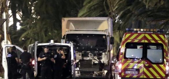 Condena Peña atentado en Niza - La Jornada - unam.mx