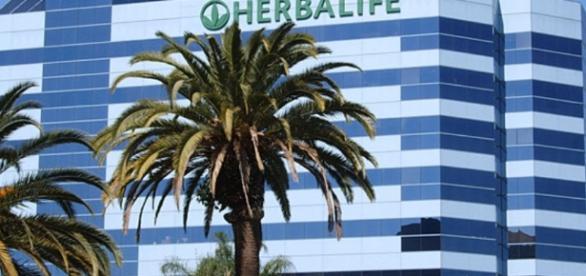 Herbalife terá que pagar uma fortuna por usar de 'pirâmide financeira' para vender seus produtos