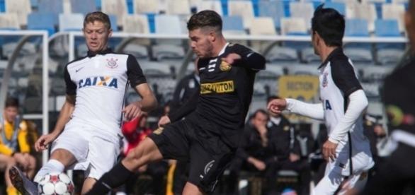 Marlone pode deixar o Corinthians e jogar pelo Internacional