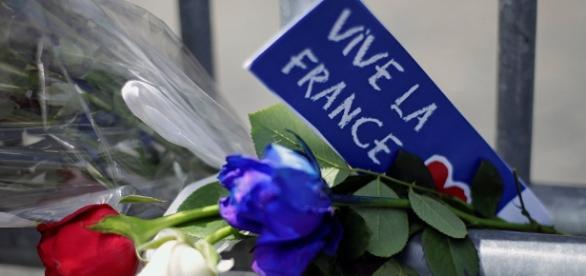 Ministro de Interior francés: el atacante de Niza se radicalizó