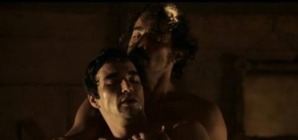 André e Tolentino transaram em 'Liberdade, Liberdade' (Reprodução/Globo)