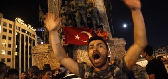 Golpe de Estado en Turquía | EFE - By Roberson