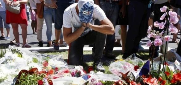 Homenagem as vítimas em Nice, na França