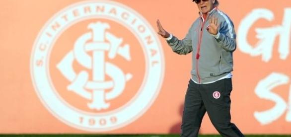 Paulo Roberto Falcão volta a treinar o Inter (Foto: Sport Club Internacional)