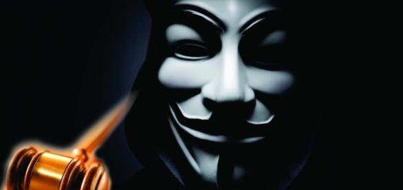 Anonymous bate martelo para justiça do Rio e derruba site