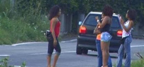 Prostituzione: una deputata del PD propone multe di 10.000€ e persino il carcere per punire i clienti